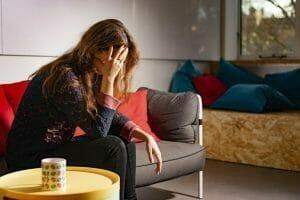 Wat zijn de verschillende fases van verslaving en wat zijn de effecten?